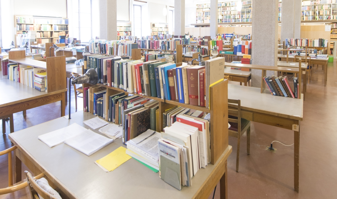 Picture of books and desks in Carolina Redivivia